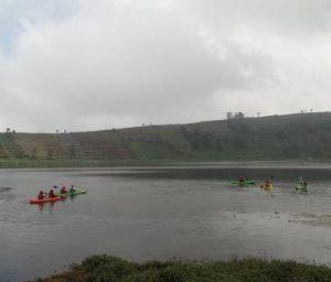 Bermain Kayak di Telaga Merdada by Mecthadeera