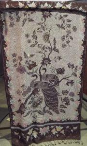 Batik peranakan motif Buketan & Burung Merak Tanahan Ukel Lunglungan, koleksi Museum Batik