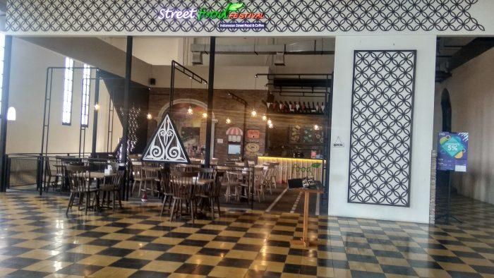 Kafetaria di De Tjolomadoe