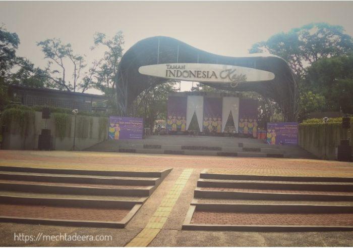 Panggung Budaya & Pelataran di Taman Indonesia Kaya