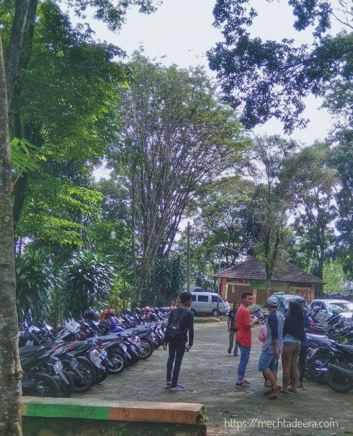 Tempat Parkir di Bandar ECO Park