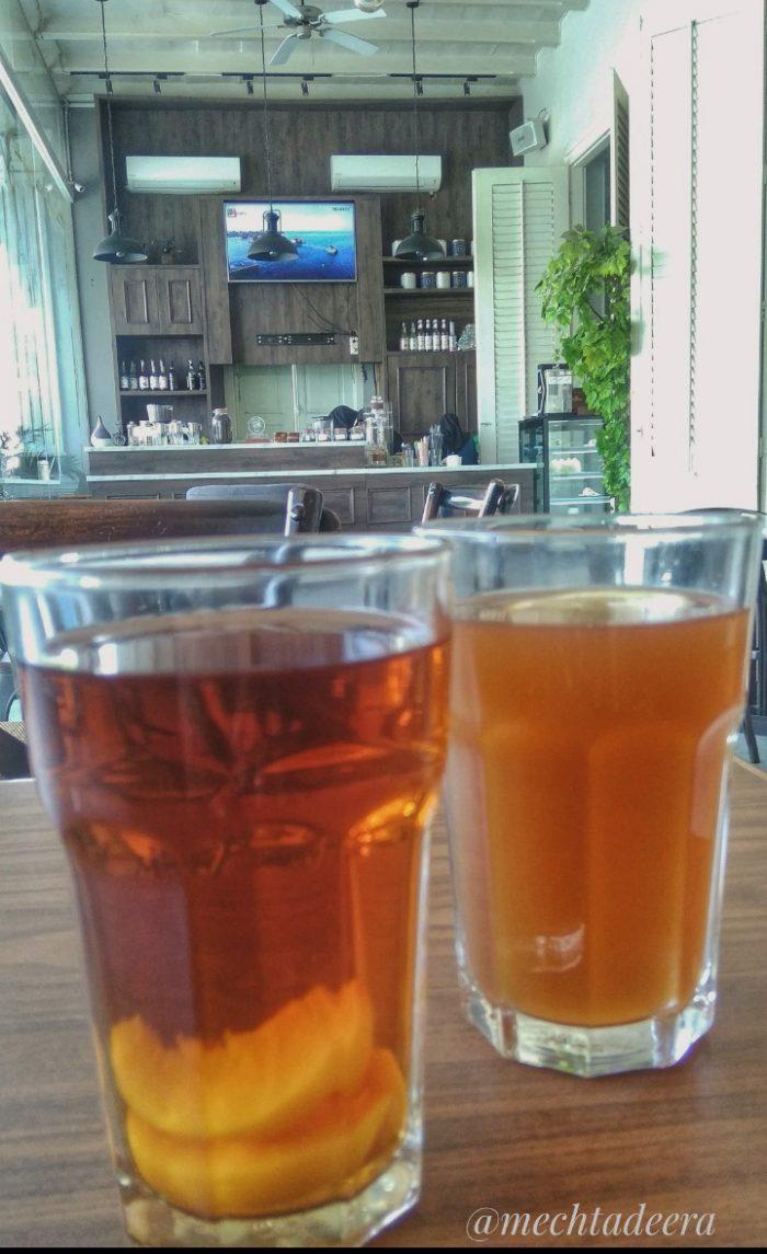 Peach Tea & Lemon Tea Rosti Resto & Cafe Semarang