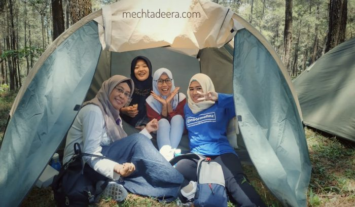 Blogger Pekalongan di Super Camp Yuk Dolan Batang
