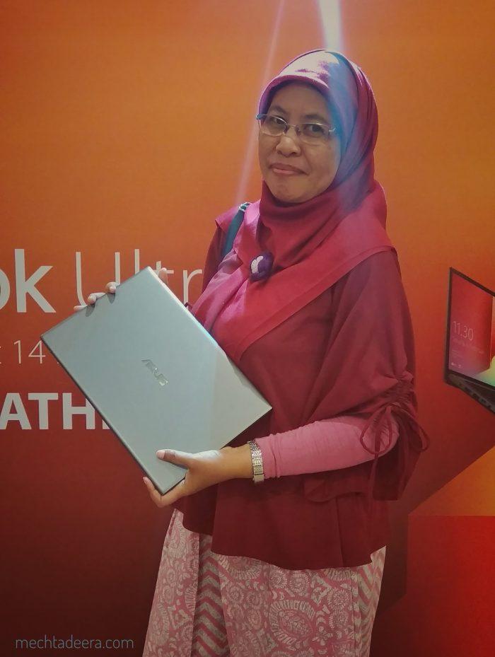 VivoBook Ultra A412, ultrabook dengan layar 14 inci paling berwarna dan paling kecil di dunia