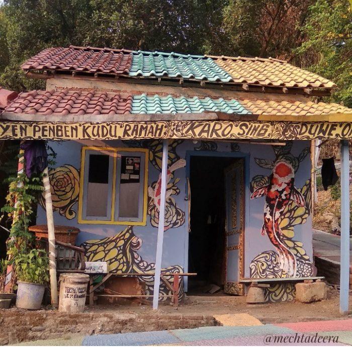 Rumah di Kampung Ragam Warna