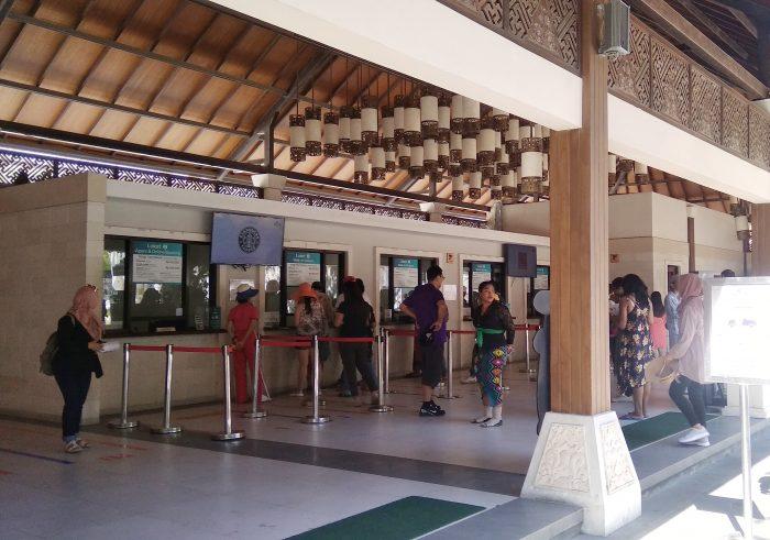 Tempat pembelian tiket di Plaza Bhagawan