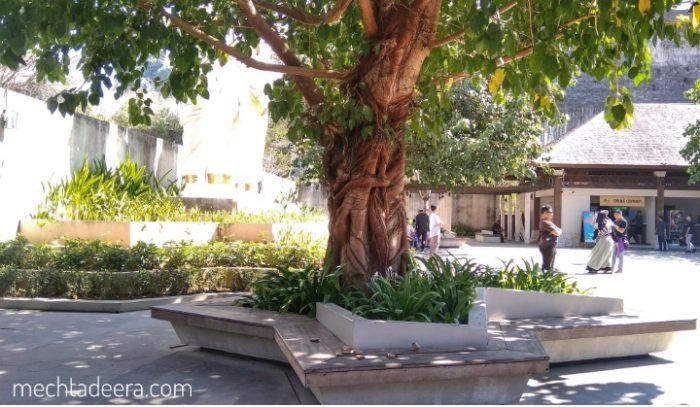 Ruang terbuka Plaza Bhagawan di GWK
