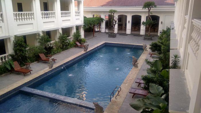Kolam renang Same Hotel Cepu
