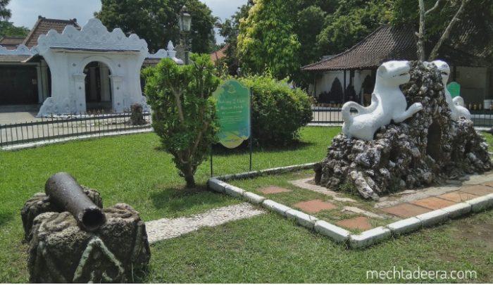 Taman Dewandaru Keraton Kasepuhan