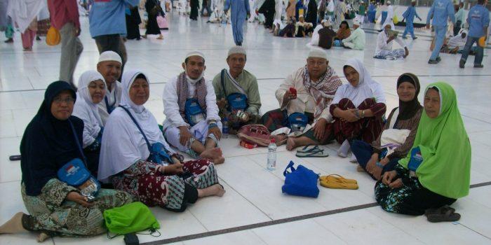 Di pelataran Masjidil Haram Makkah
