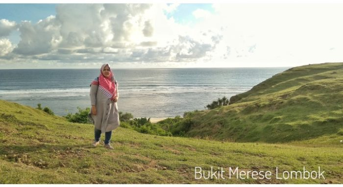 Pose di lereng Bukit Merese