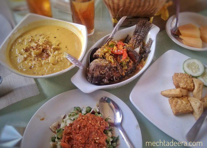 Menu maka siang di RM Melati Lombok