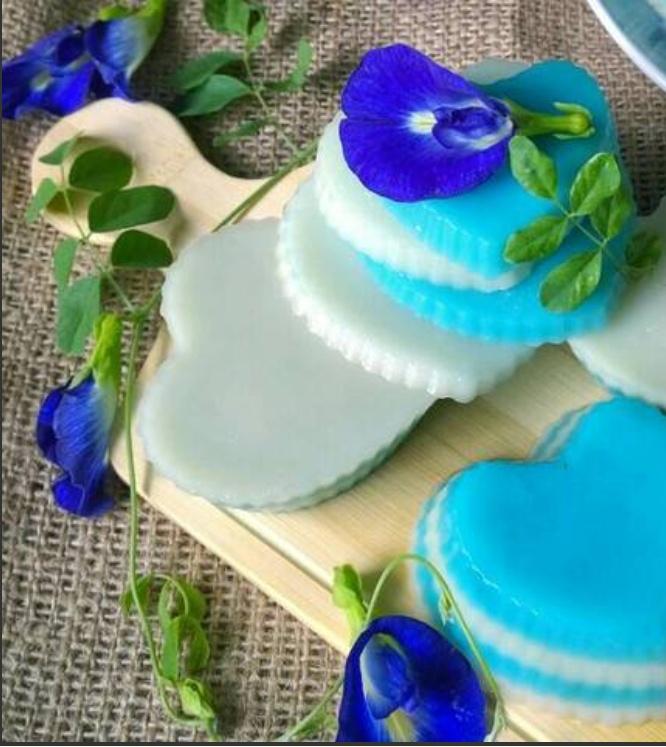 Kue Lapis Bunga Telang