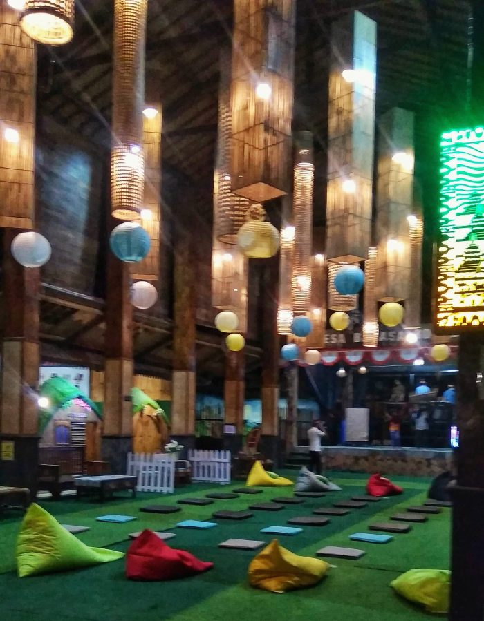 Tempat pertemuan di Desa Bahasa Borobudur