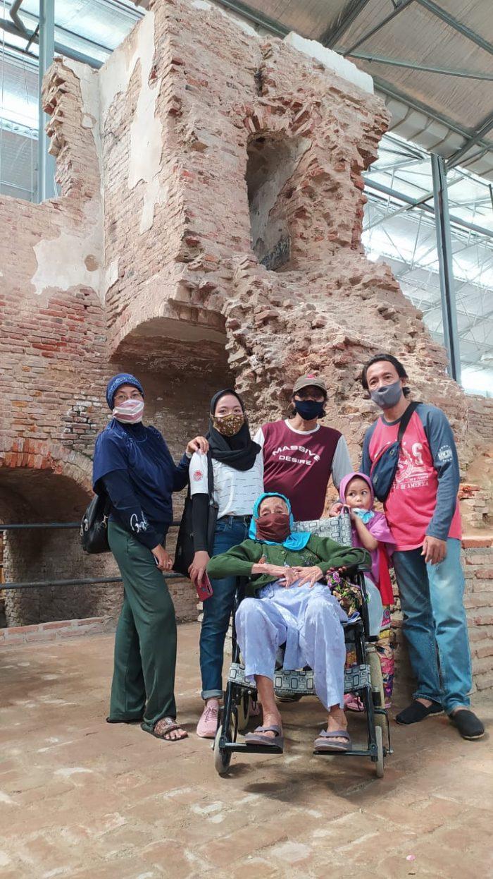 Pose di TIP 260B Banjaratma