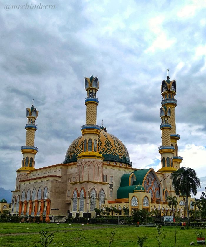 Masjid Raya Hubbul Wathan Islamic Center Mataram